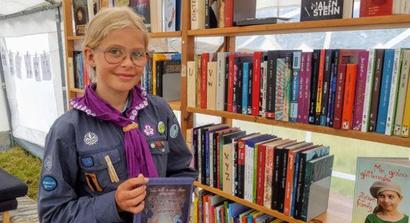 Med biblioteket mitt i lägret